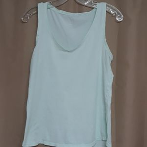 Old Navy everywhere muscle tee